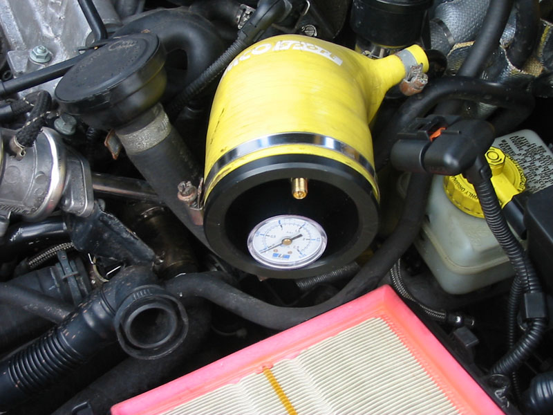 Audi s3 changement d 39 une durite fissur e for Augmenter la pression d eau